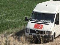 Yeşilhisar'da Minibüs şarampole devrildi: 2 yaralı