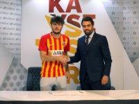 Kayserispor Dardanelspor'dan Furkan Polat ile 5 yıllık sözleşme imzaladı
