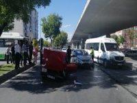Kocasinan Nil caddesi Otomobiller çarpıştı: 1 yaralı