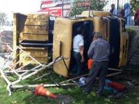 Kocasinan Kurmarlı'da freni patlayan kamyon yan yattı, çok sayıda yaralı var