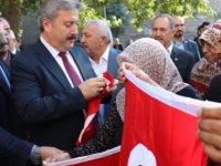 Başkan Palancıoğlu esnafları ziyaret etti Türk bayrağı verdi