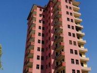 Esentepe'de yıllardır yıkılmayan binada İntihar girişimi