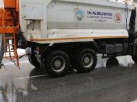 Talas'ta karla mücadele ekipleri 24 saat iş başında