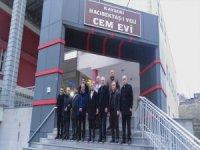 Bayrak, Kayseri'de Hacı Bektaş-i Veli Cem Evini ziyaret etti