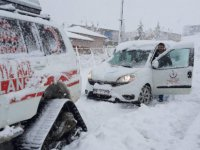 Yahyalı Delialiuşağı'nda hastalar paletli ambulansla kurtarıldı