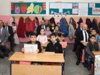 Çolakbayrakdar, Argıncık'ta öğrencilerin karne sevincine ortak oldu