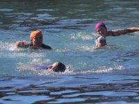 Bünyan 9. Kış Yüzme Etkinliği buz gibi suya girdiler