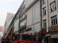 Millet caddesi'nde Beyaz saray restoranında yangın çıktı