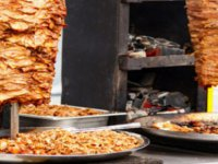 Kayseri'de lokantadan tavuk döner yiyen 2 öğrenci zehirlendi