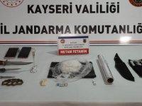 Gaziantep'den, Kayseri'ye uyuşturucu sokmak isteyen 2 kişi yakalandı