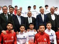 Büyükşehir'den 30 kulübe eşofman