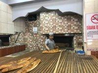 Sev-Al Pide Corana virüs salgın nedeniyle işsiz kalanlara bedava ekmek veriyor