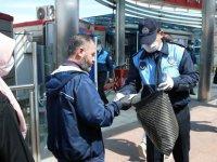 Kayseri Büyükşehir her gün ücretsiz maske dağıtıyor