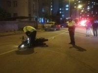 Kayseri'de Otomobil motosiklete çarptı: 2 yaralı