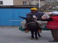 Talas'ta Türk Kızılayı sokak sokak dolaşarak yardım ulaştırıyor