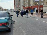 Ehliyetsiz direksiyon başına geçti, kazaya karıştı