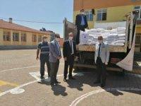 Milli Eğitim Müdürlüğü Tomarza'da 200 çuval un dağıttı