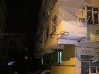 Fevziçakmak'ta 3 katlı apartman karantinaya alındı