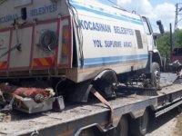 Kocasinan Belediyesine ait yol süpürme aracı şarampole yuvarlandı