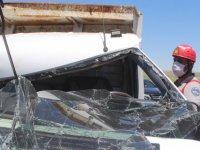 Kayseri'de hafriyat taşıyan kamyonete çarptı