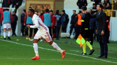 robinho-sivasspor-ilk-gol.jpg