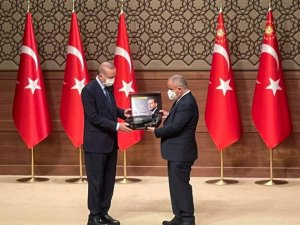 6.Anadolu Medya Ödülleri sahiplerini buldu Cumhurbaşkanı Erdoğan ödül töreninde konuştu
